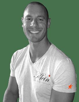 Jolger is eigenaar en oprichter van klein massage, daarbuiten masseert hij u ook graag
